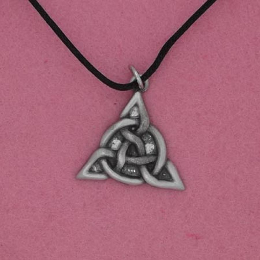 P0281 Celtic Triangle