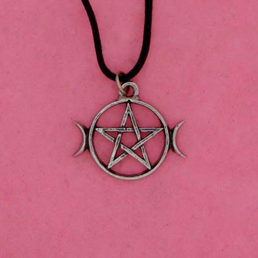 P0637 Pentagram & Moons