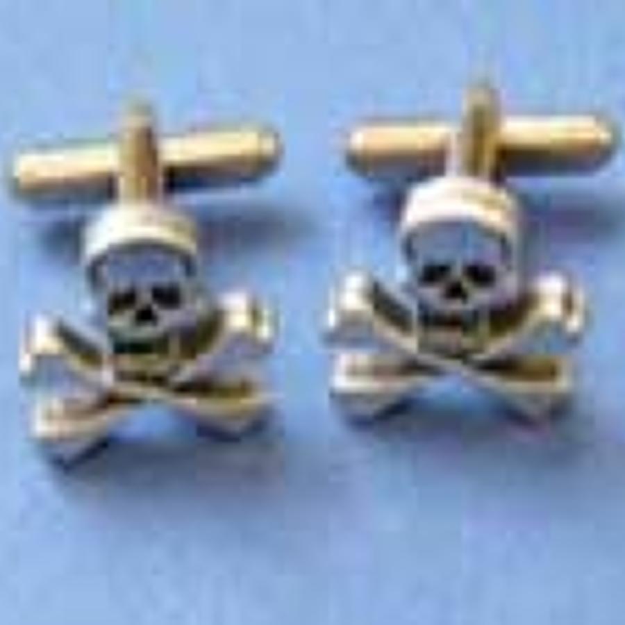 CL0650 Skull & Crossbones