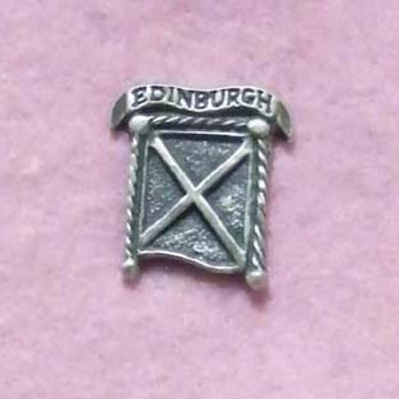 LP978 Edinburgh Saltire