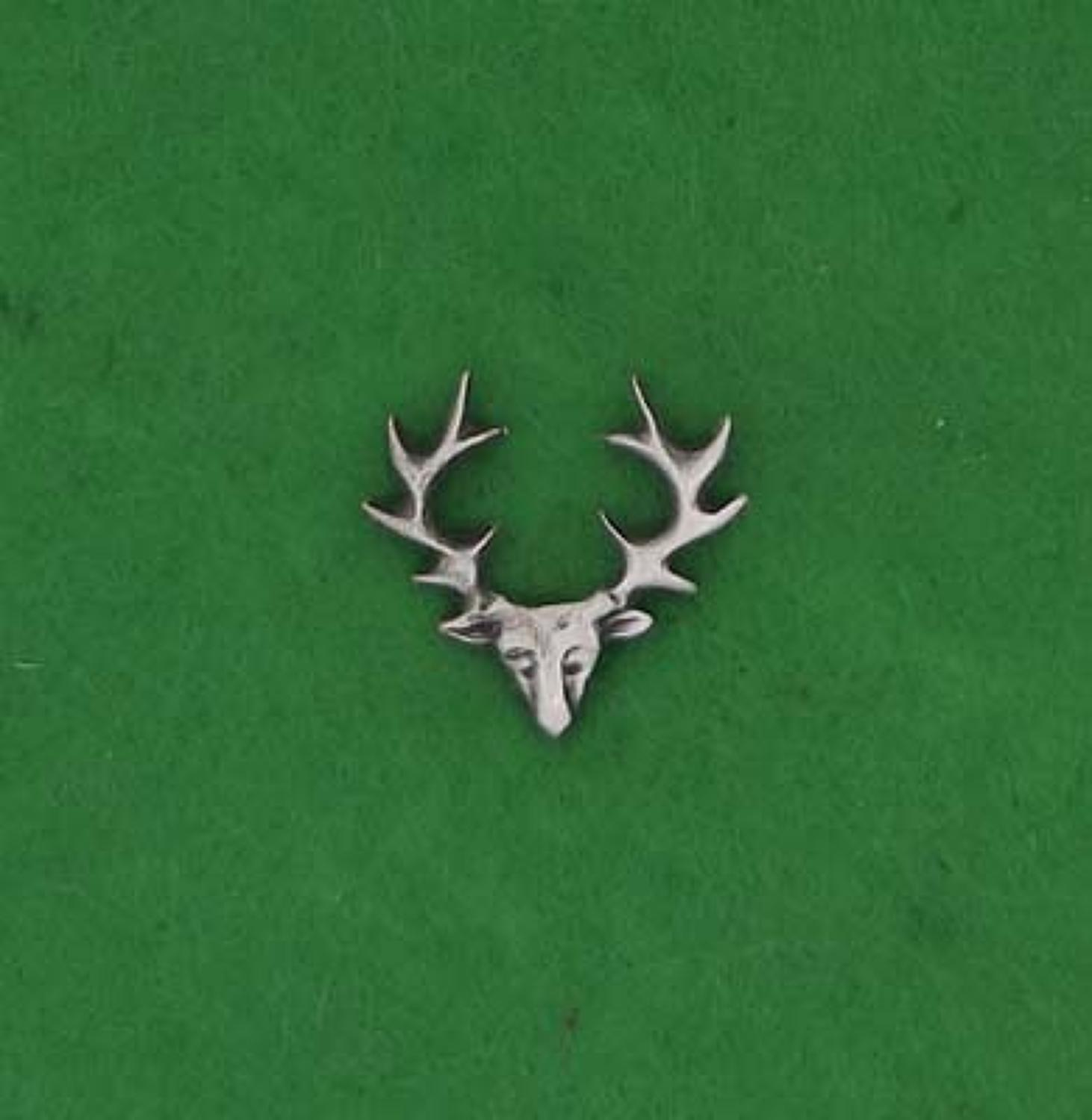 LP1077 Stag Head