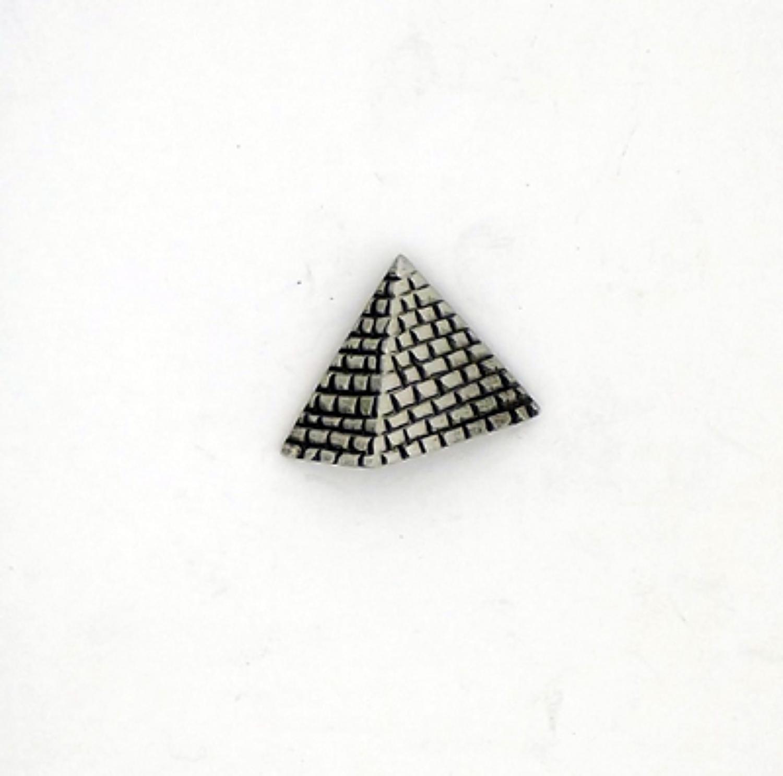 LP1561 Pyramid